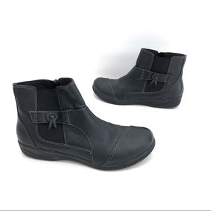 Clarks collection black leather ankle boots size 8